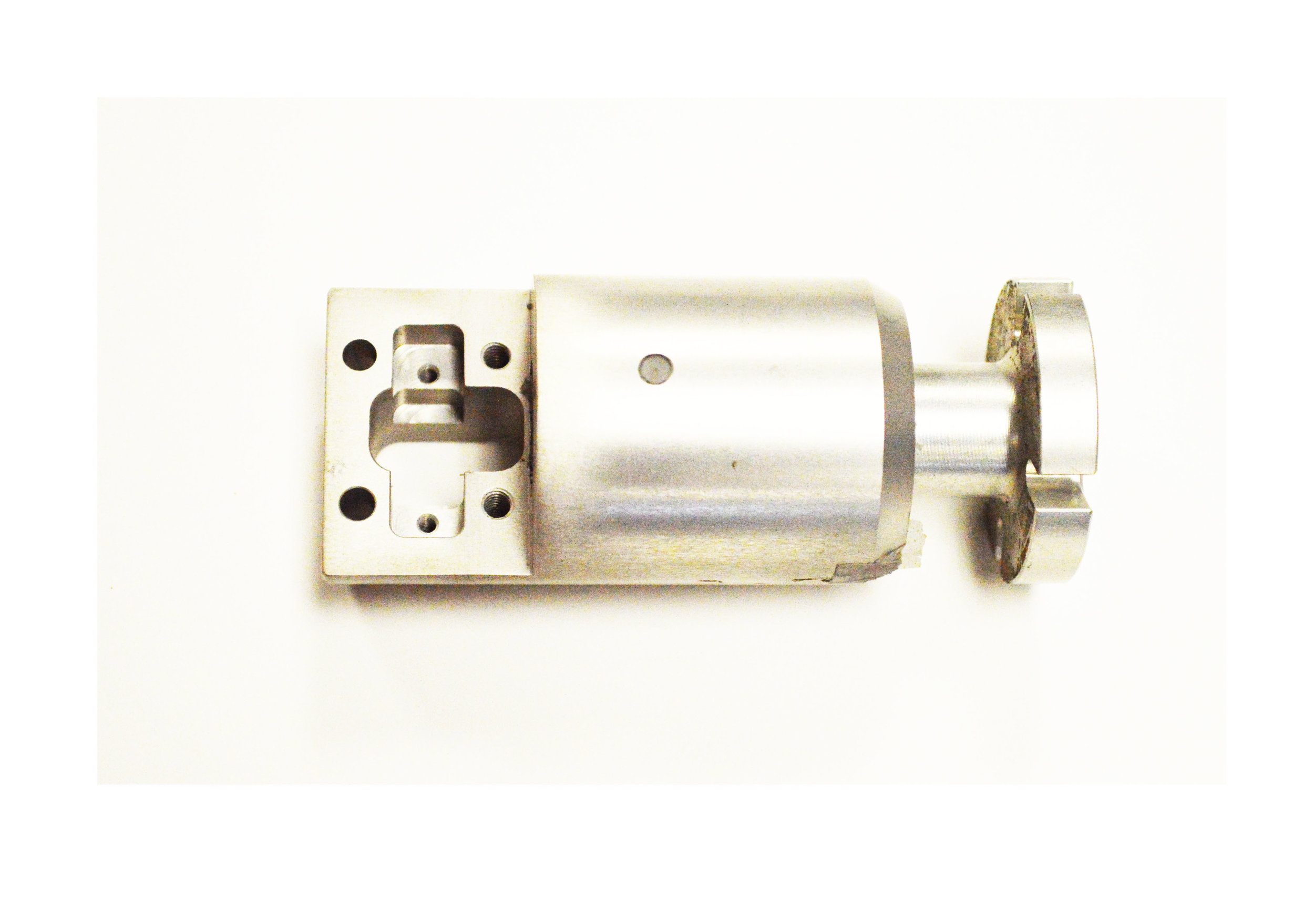 1-Piece Battery Snubber       Injection: SMS-5405