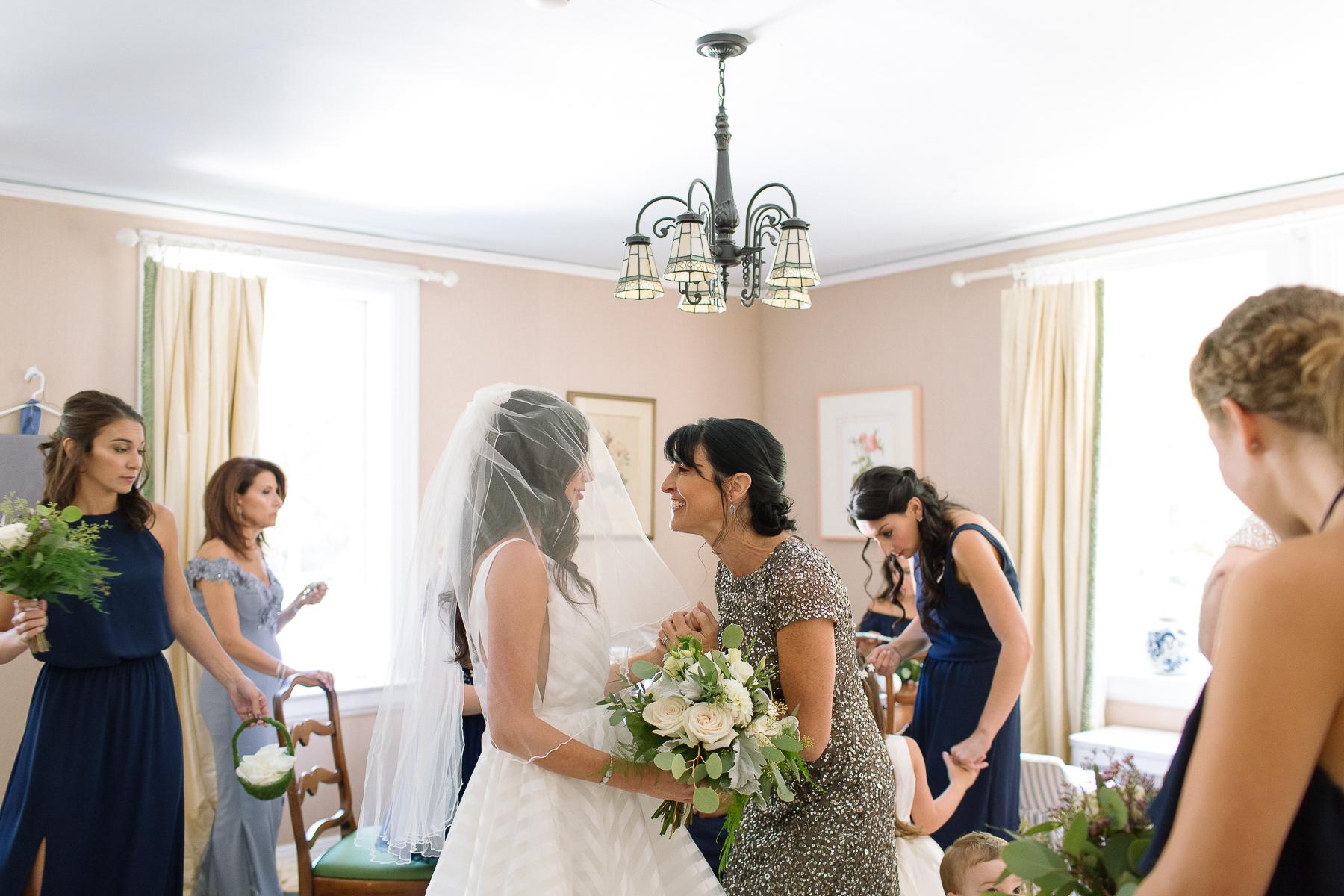 long island wedding photographer candid non-cheesy