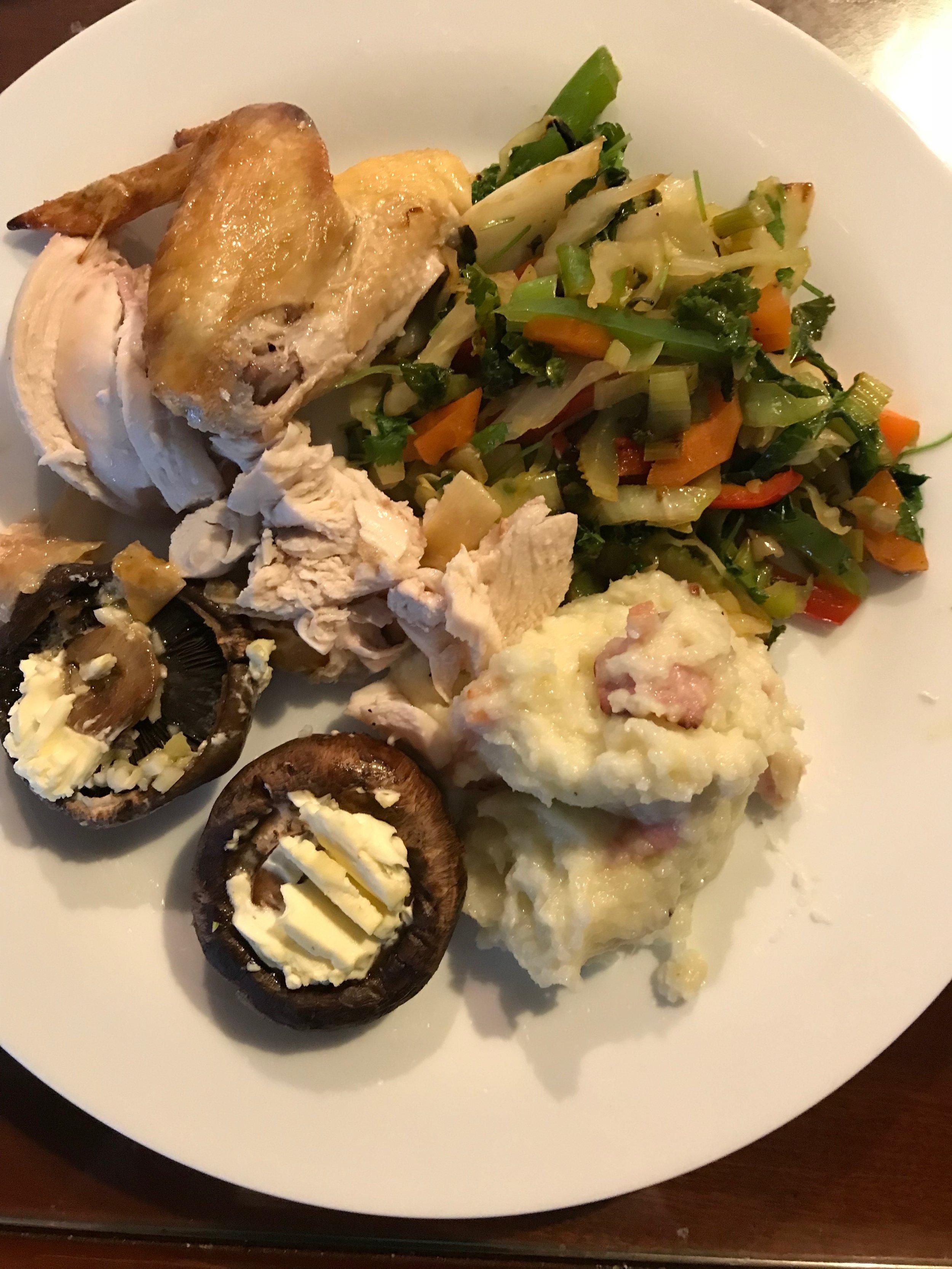 Chicken, stir fry, cauliflower mash and garlic mushrooms.
