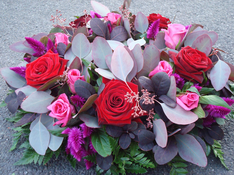 Wreath-small-reds.jpg