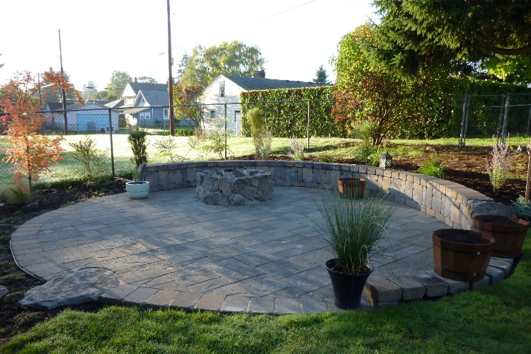Traditional paver patio in north Portland.