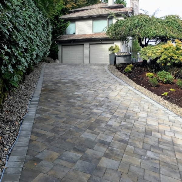 paver driveway in Lake Oswego with snow melt mats underneath