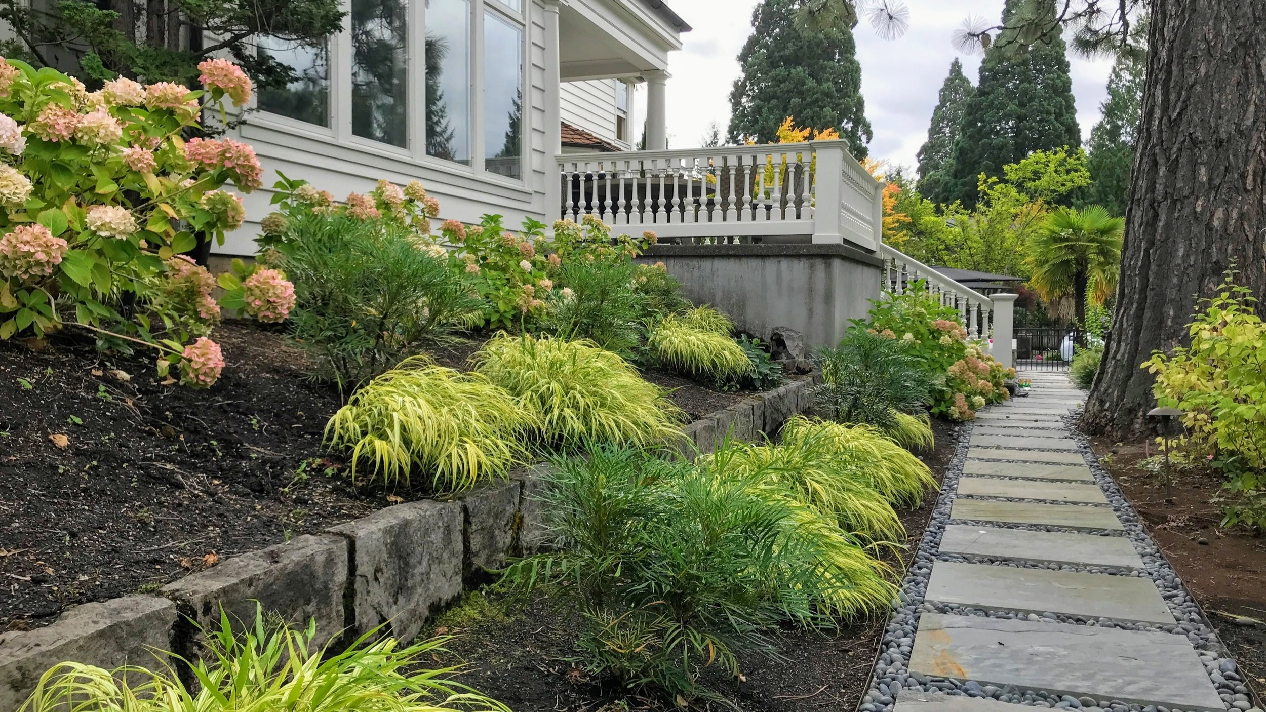 dunthorpe oregon custom residential landscape