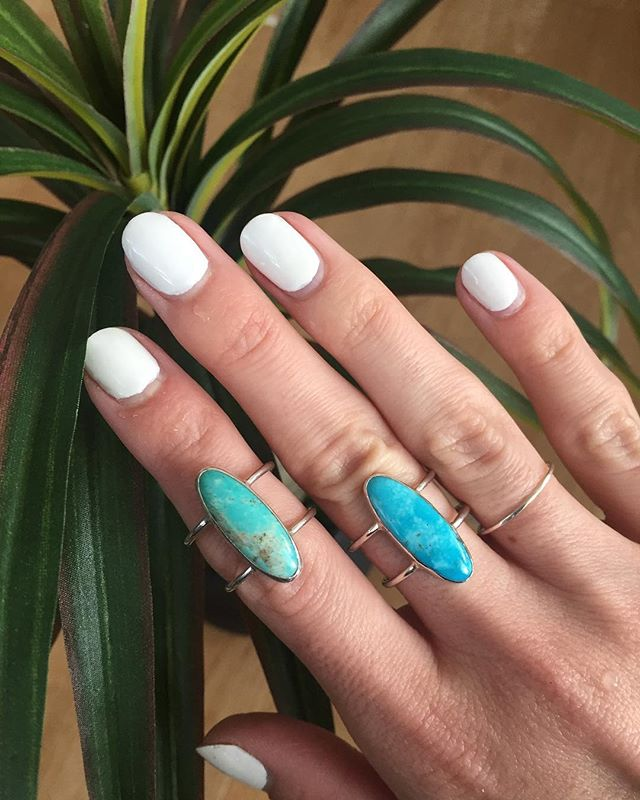 No filter so you can see the seriously amazing shades of Arizona Turquoise stones that I just set in a Sterling silver double band. 💙 $98 and free shipping with code SHELLYES. #momwillloveit #forwomenbywomen #shopsmall #mothersday #turquoise