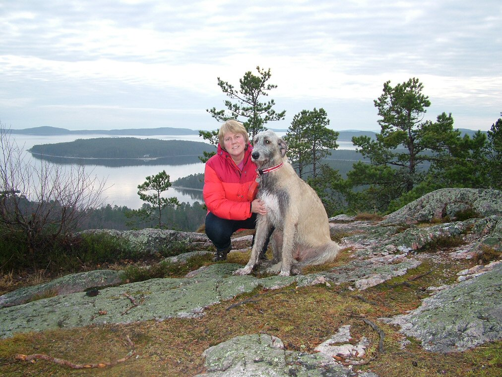 Suz and Ellie on Ogelttjarnsberget