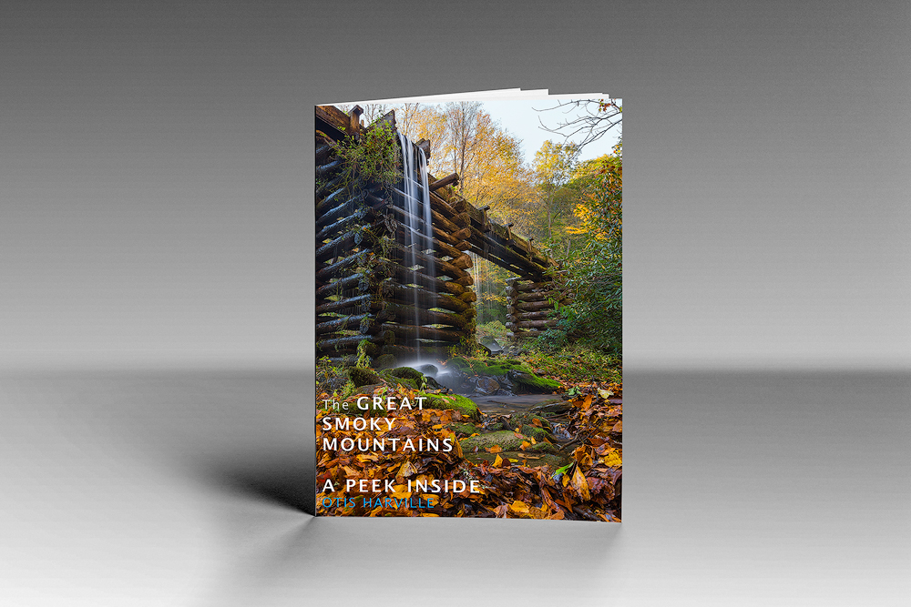 """""""The GREAT SMOKY MOUNTAINS - A Peek Inside"""" - nineteen pages, seventeen beautiful images, fun facts and inspirational quotes"""
