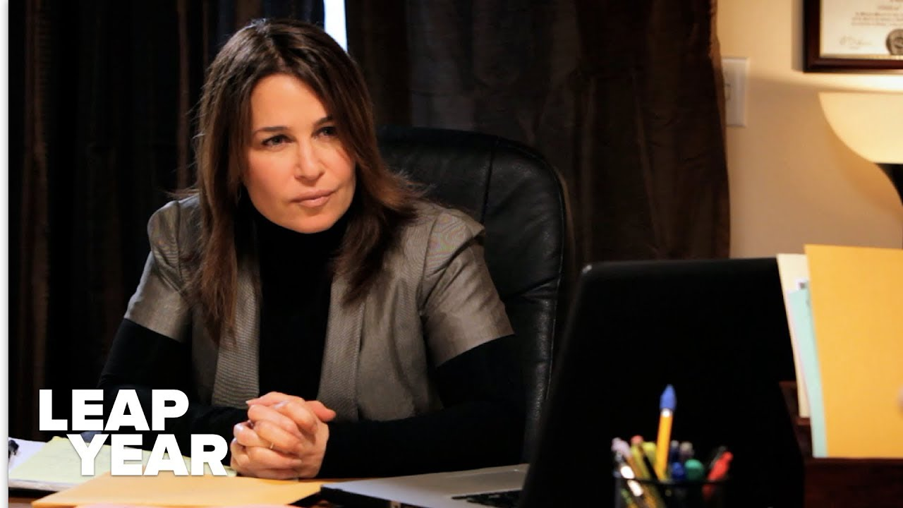 Josie (guest star Julie Warner) explains to Derek why he is being sued for harassment.