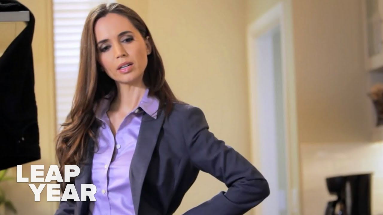 Eliza Dushku guest stars as hacker June Pepper on Leap Year S2:E1 A Train Wreck