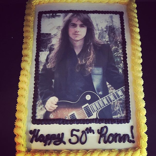 Be careful what you post on Facebook because it might just appear on a cake!  Happy 50th Ronn! 🤘🏼 #roxiecakes #stryper #yellowandblackattack