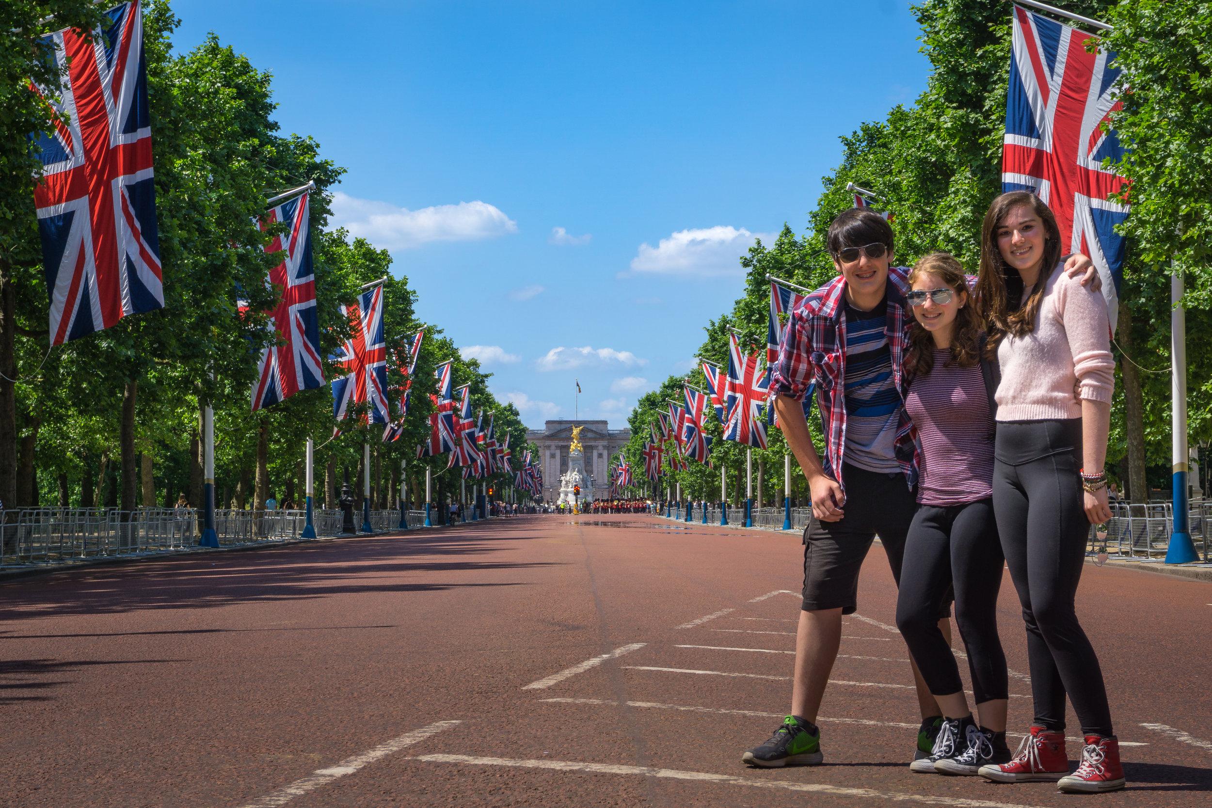 2017-06-14 Buckingham, Trafalgar00043.jpg