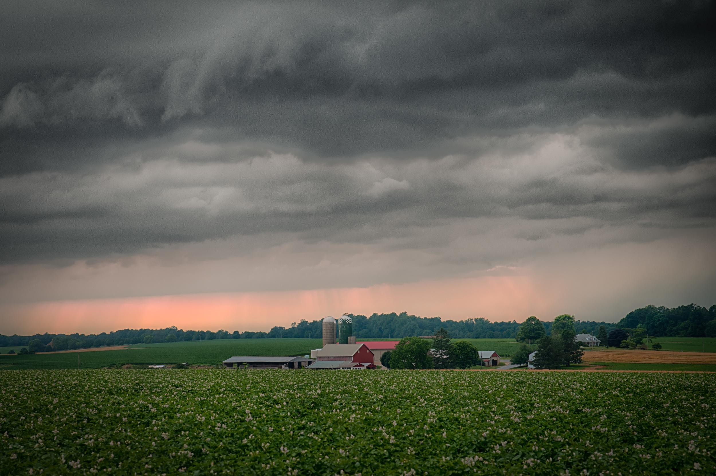 The storm Rolls In (1 of 1).jpg