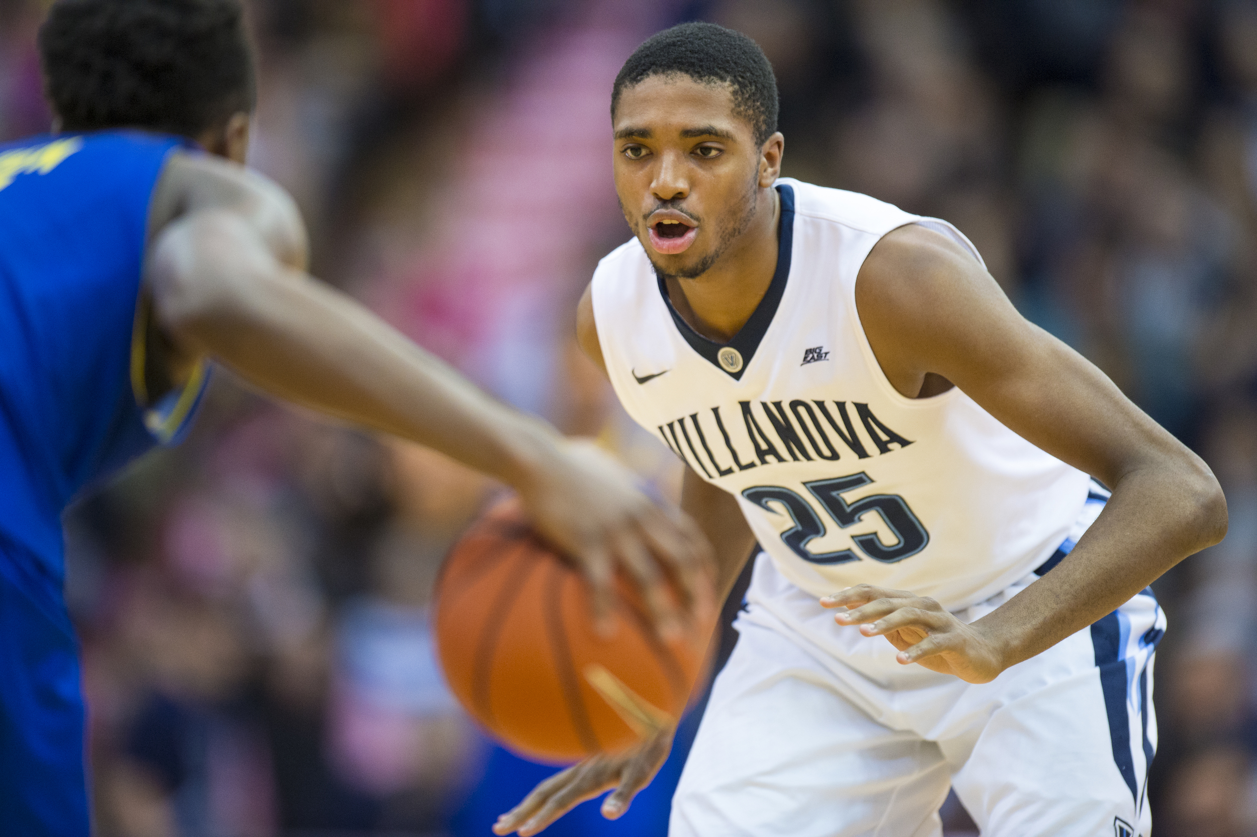 22 December 2015: Villanova Wildcats guard Mikal Bridges (25) defends the lane during the NCAA basketball game between the Delaware Blue Hens and the Villanova Wildcats played at the Pavillion in Villanova, PA. (Photo by Gavin Baker/Icon Sportswire)