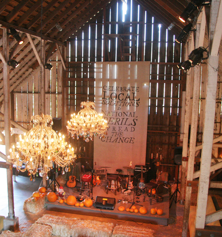 BUELL PEACE BARN | stage backdrop