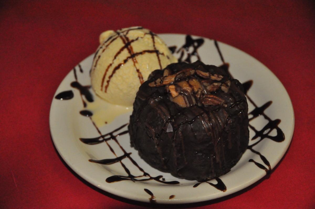 Chocloate Lava Turtle Bundt Cake wirh Ice Cream