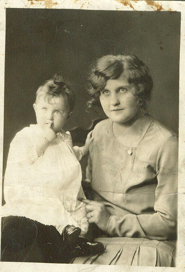 mary carbone and baby natalie in 1929.jpg