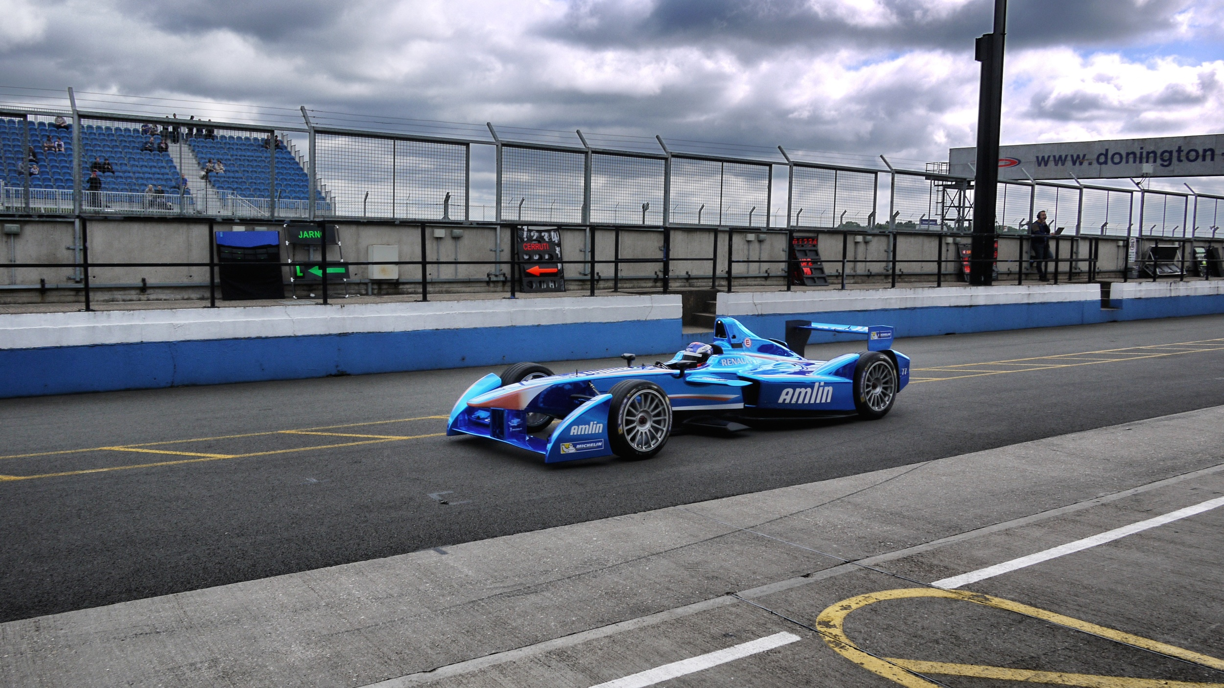 Team Amlin-Aguri car in the Donington pit lane