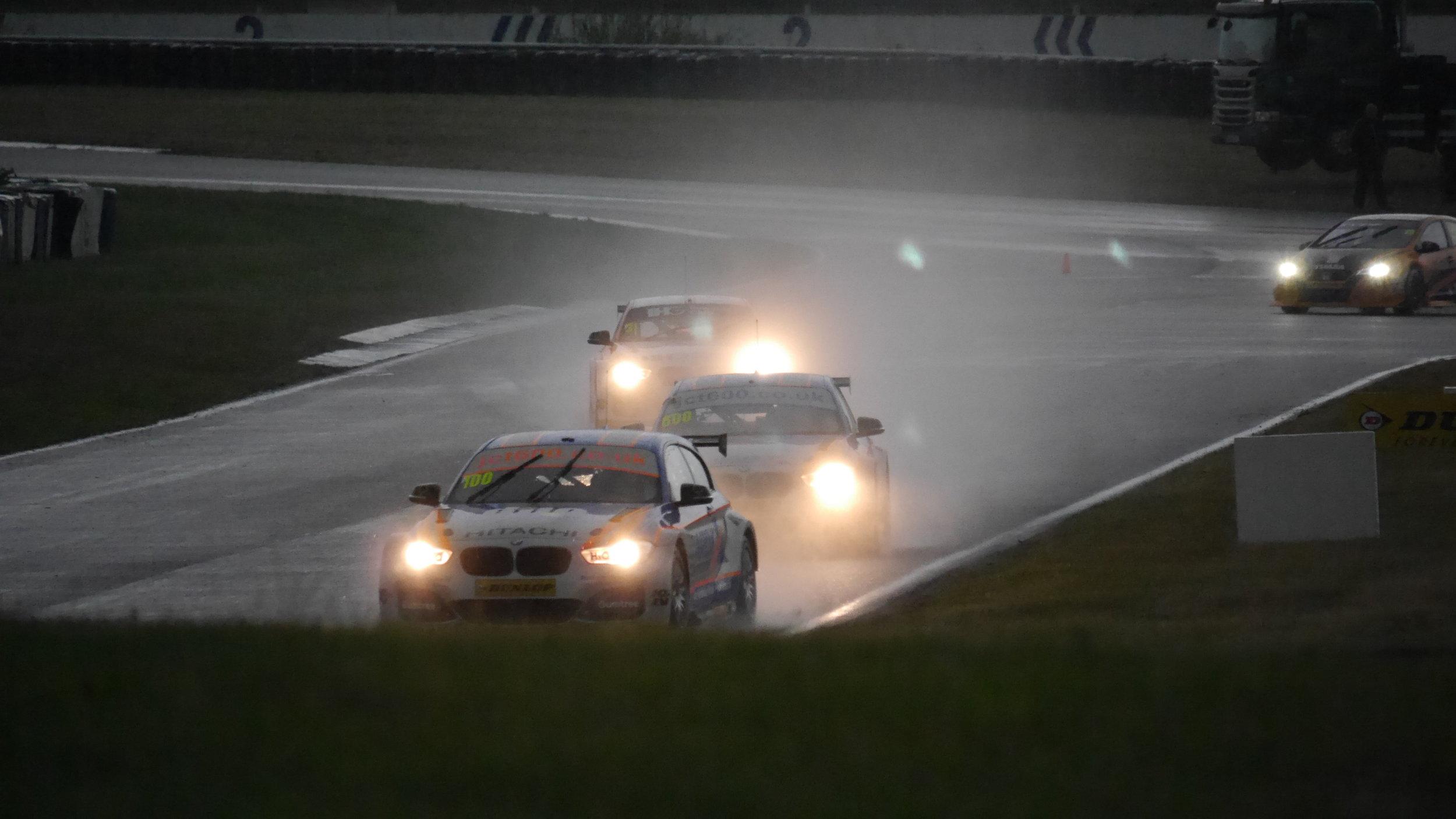 Collard, Tordoff & Goff in the rain during Qualifying