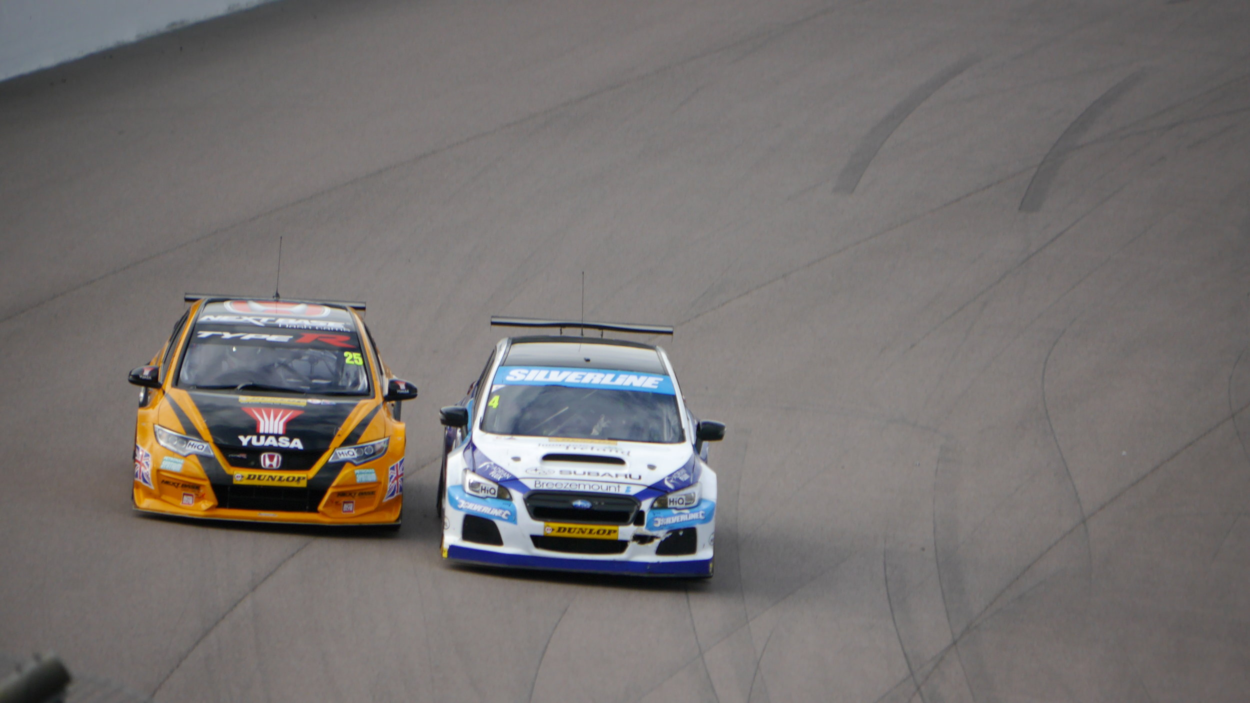 Colin Turkington passes Matt Neal for third place in race 3