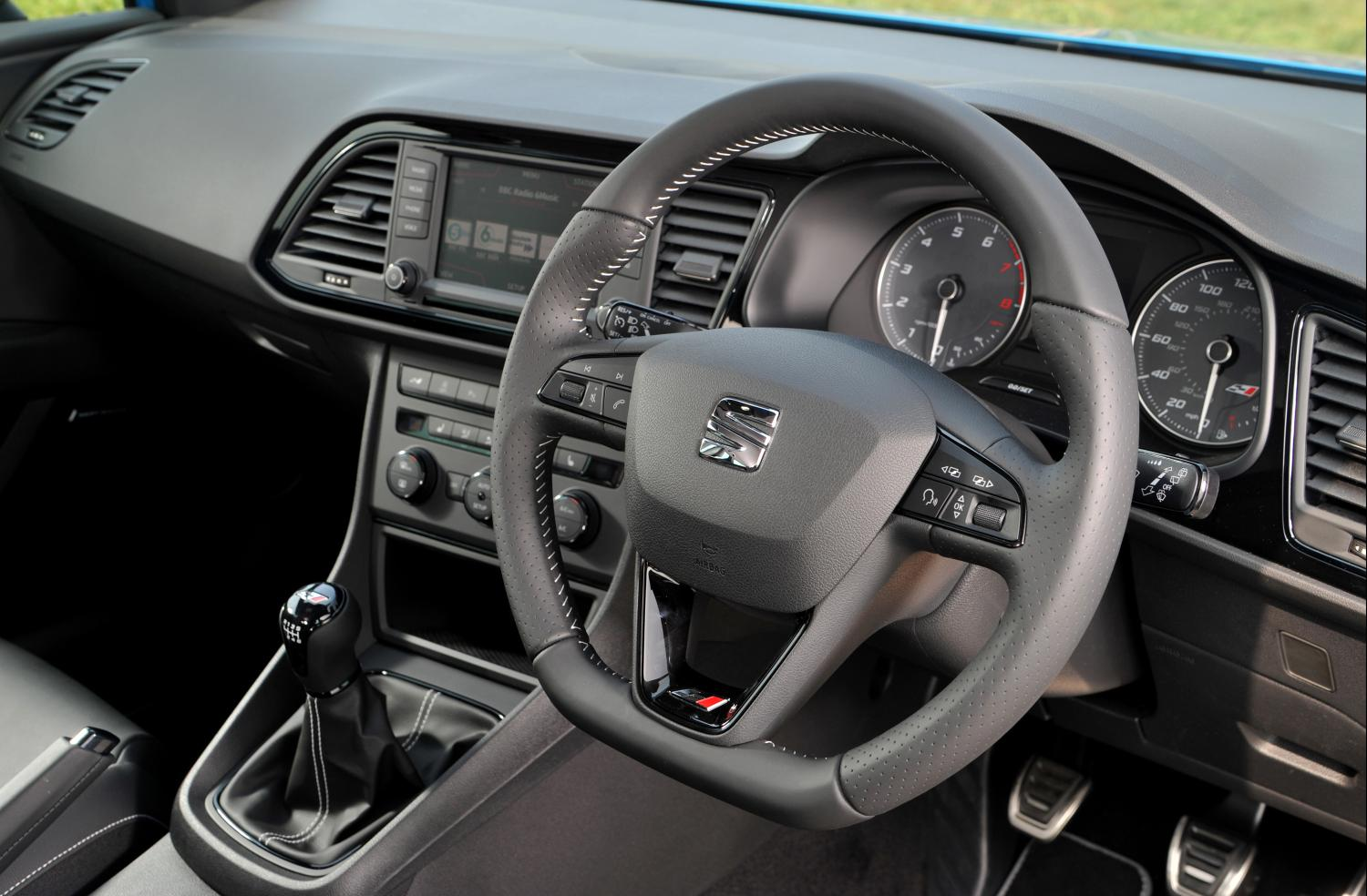 Flat-bottomed steering wheel aside, the front of the LEON is a comfortable, well laid out place to be
