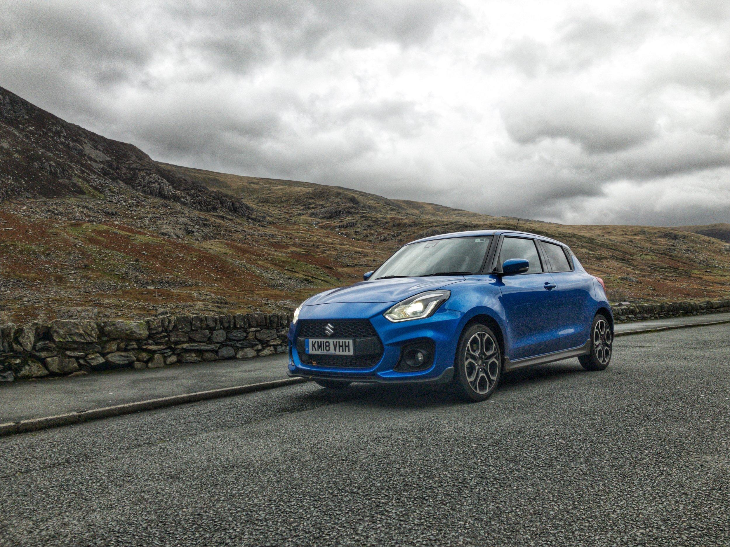 Suzuki Swift admiring the North Wales scenery