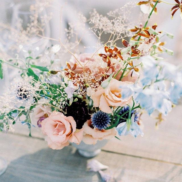 Florals sculpted and arranged so beautifully by @studiosorores