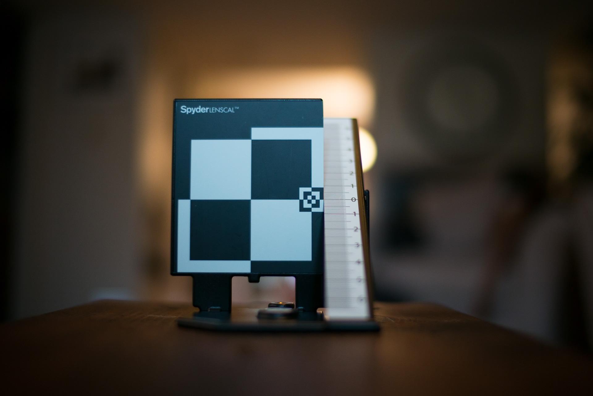 Nokton 35mm @f/1.2 - At minimum focus distance