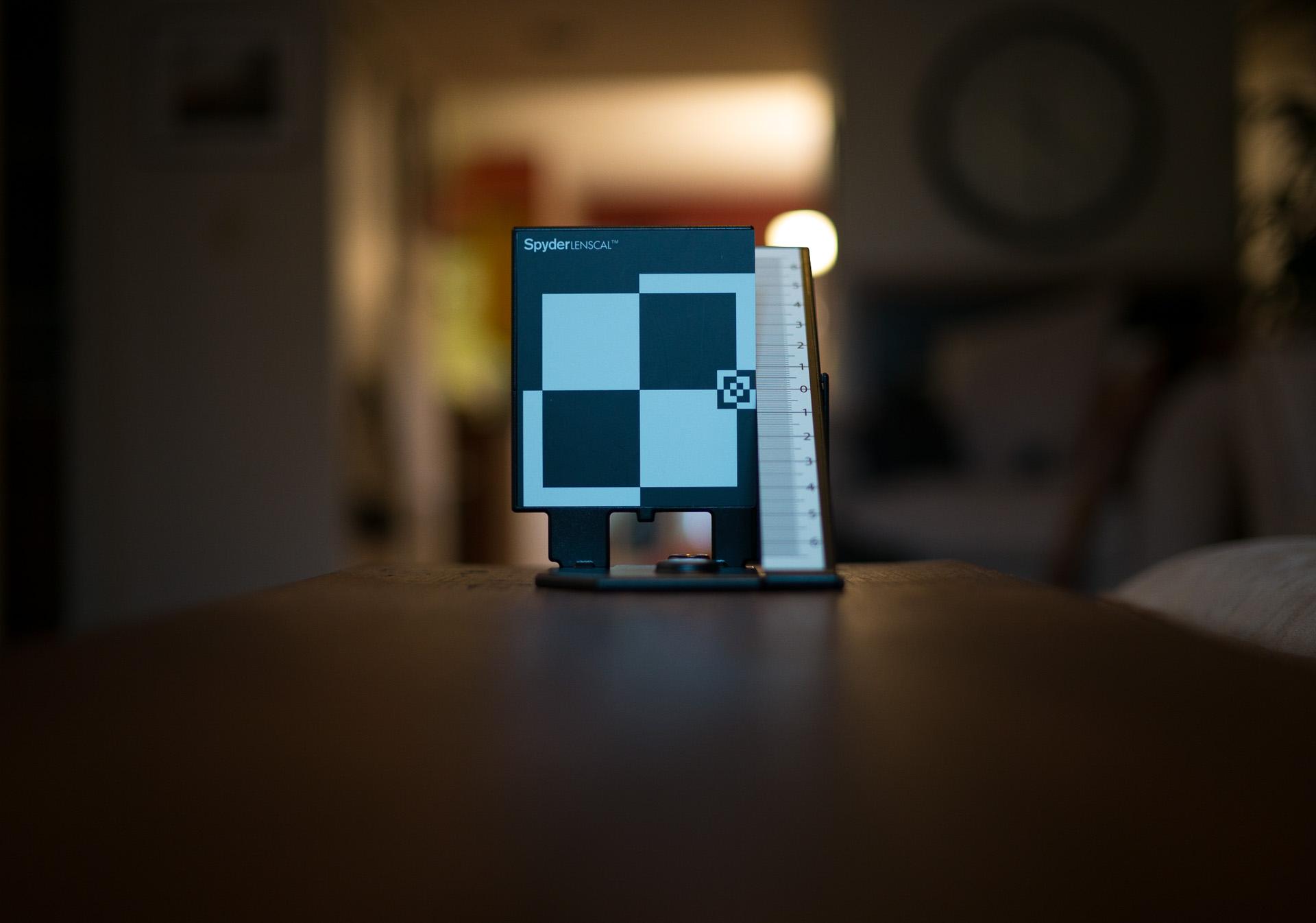Summilux 35mm @ f/1.4 - At minimum focus distance