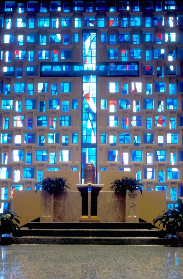 St-Albert-Chapel-Sanc-Furn031.jpg