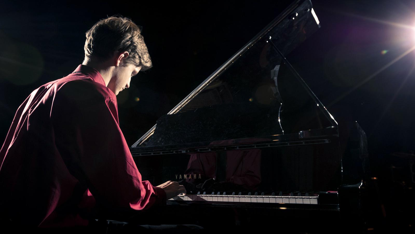 columbia-maryland-senior-piano-wilde-lake