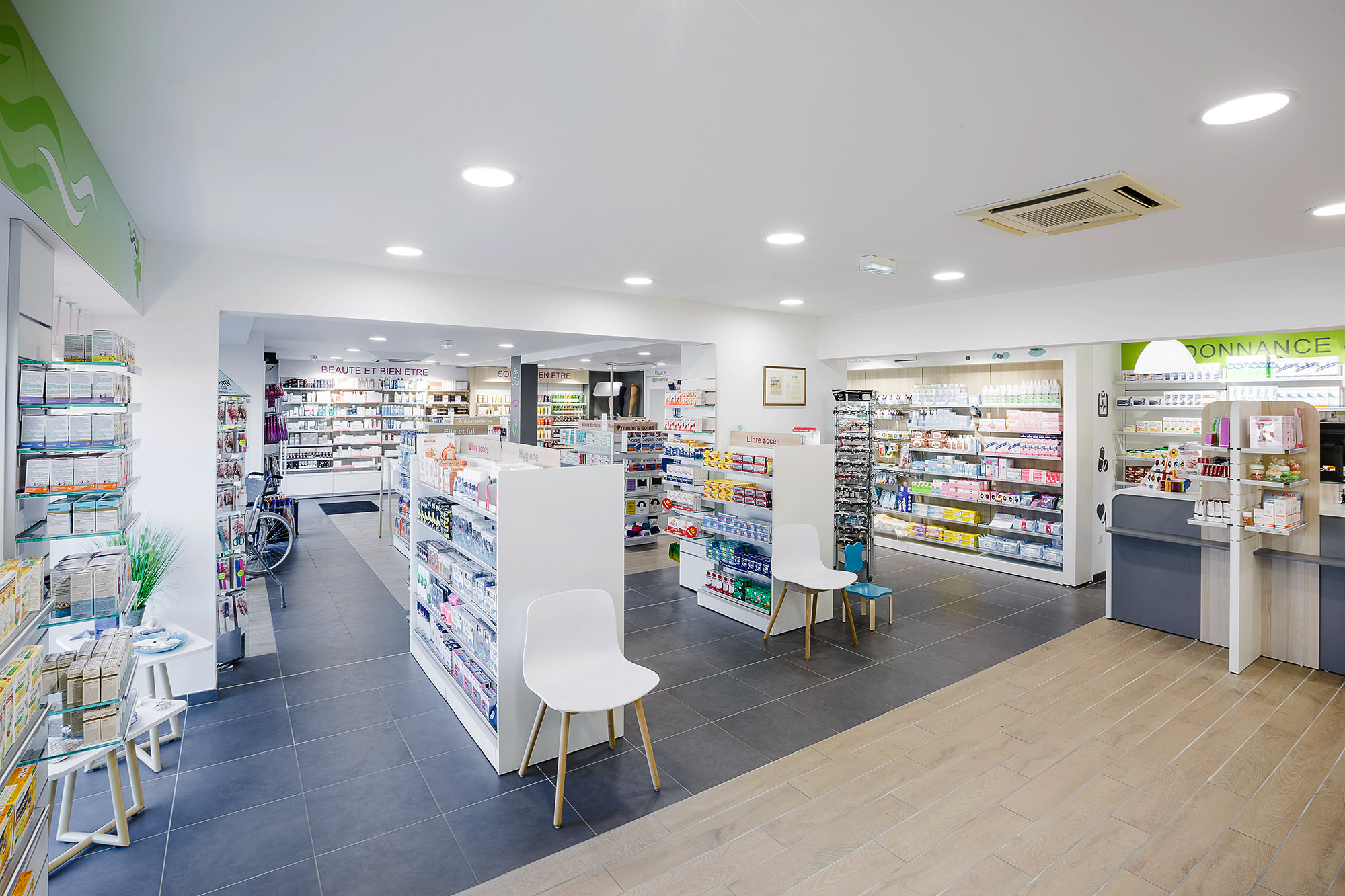 AGENCEMENT_Media6_Pharmacie1.jpg