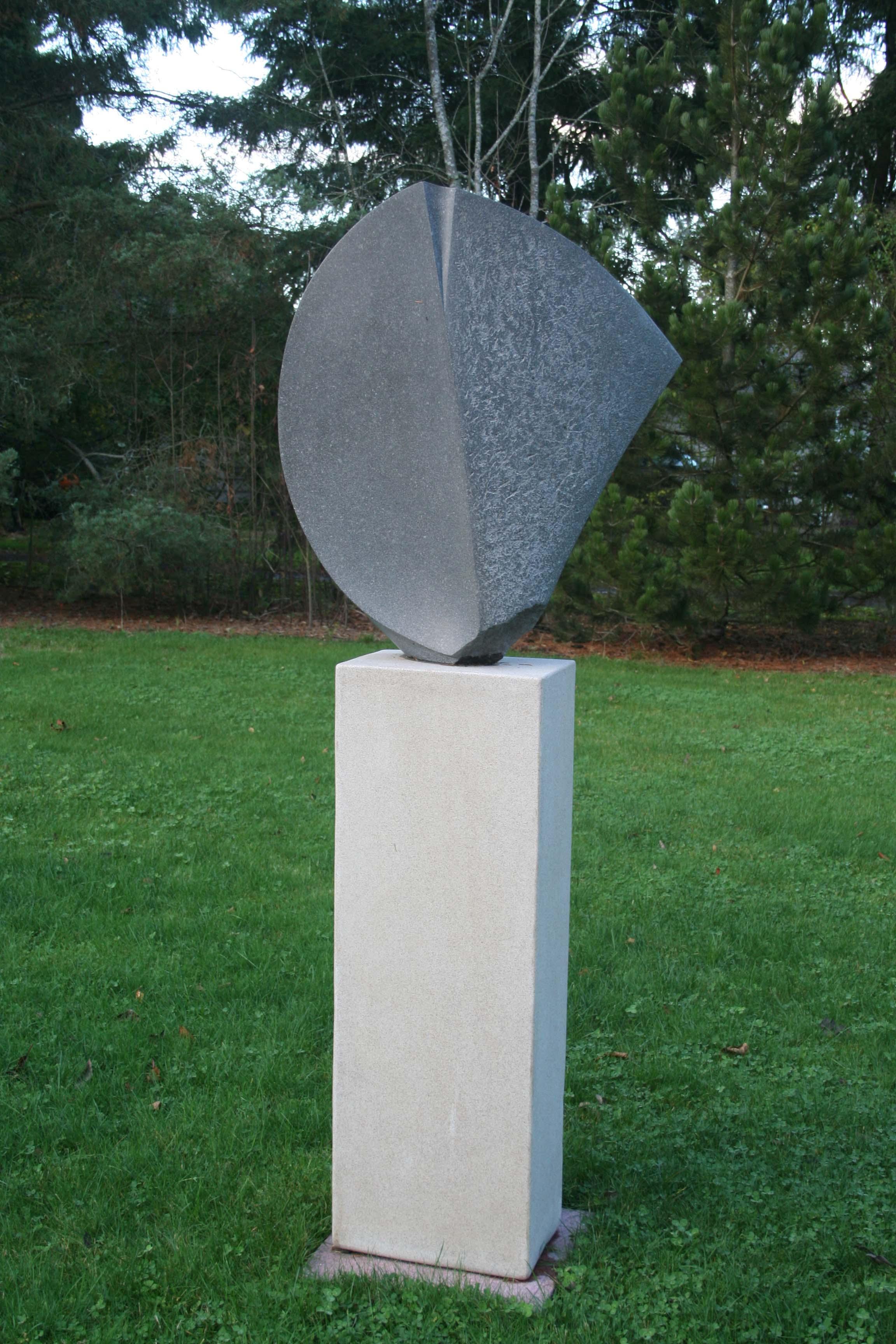 shield sculpture 001-1.JPG