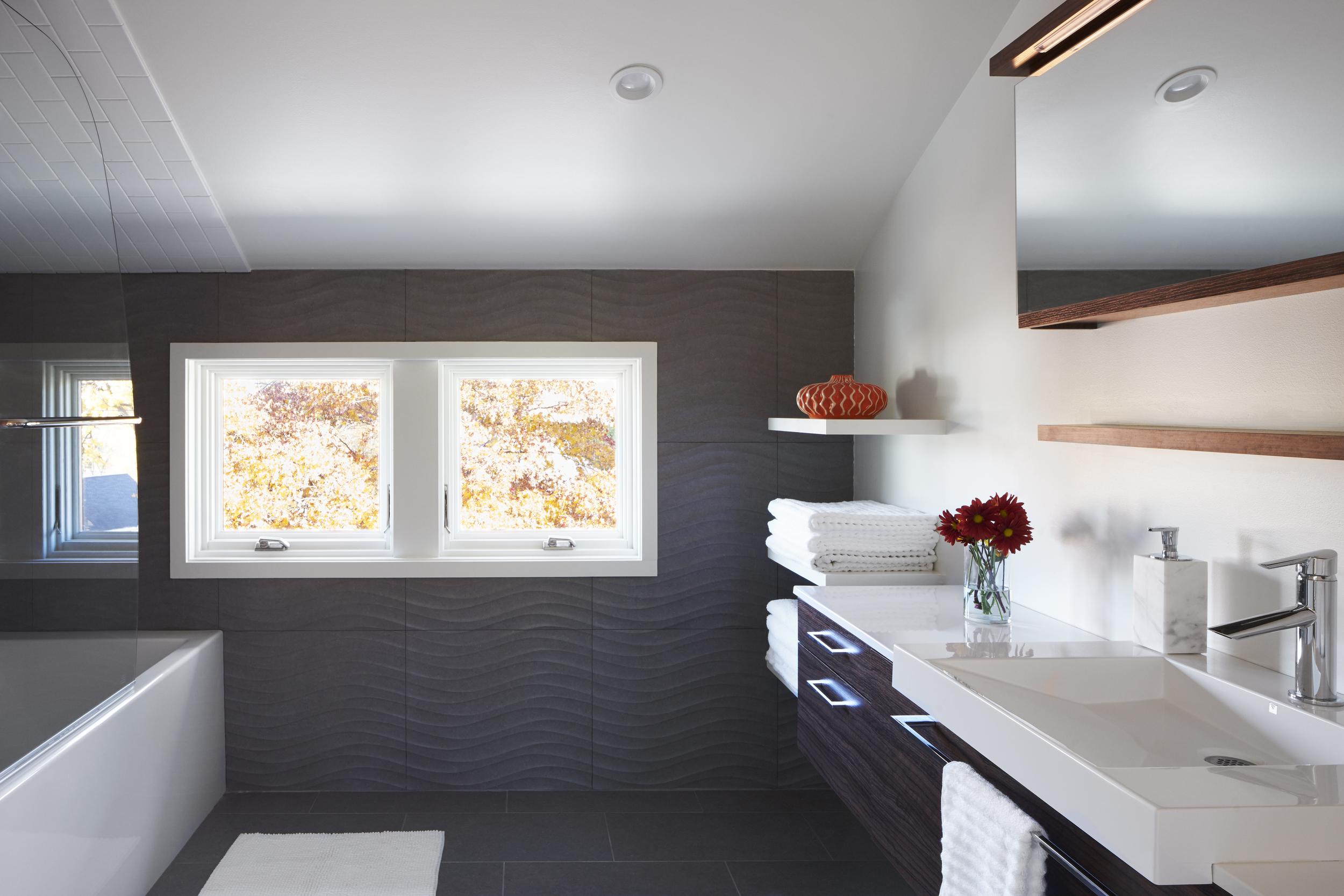 Park Terrace_Bathroom.jpg