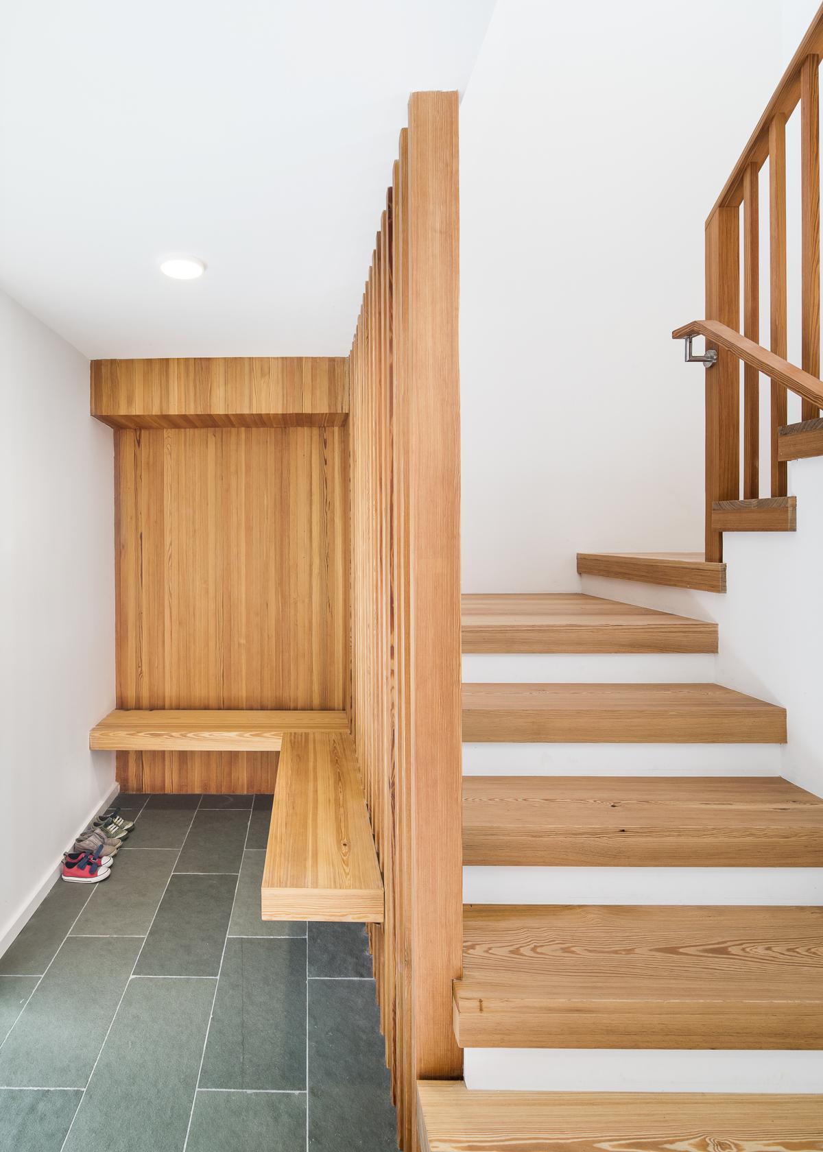 Deertrack Entry Stair_S.jpg