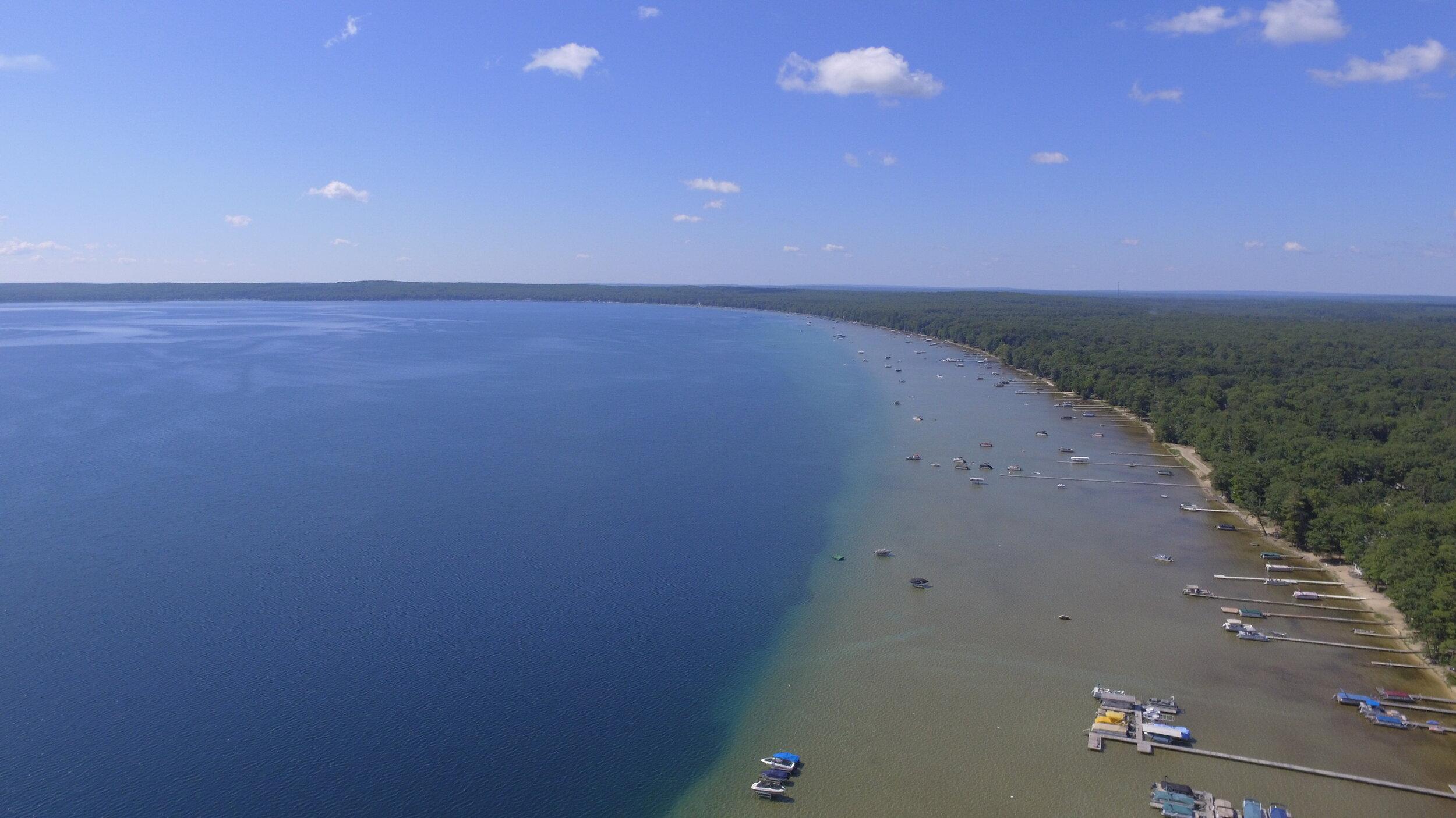 Aerial shot of Higgins Lake, MI (Photo: Wikimedia Commons)