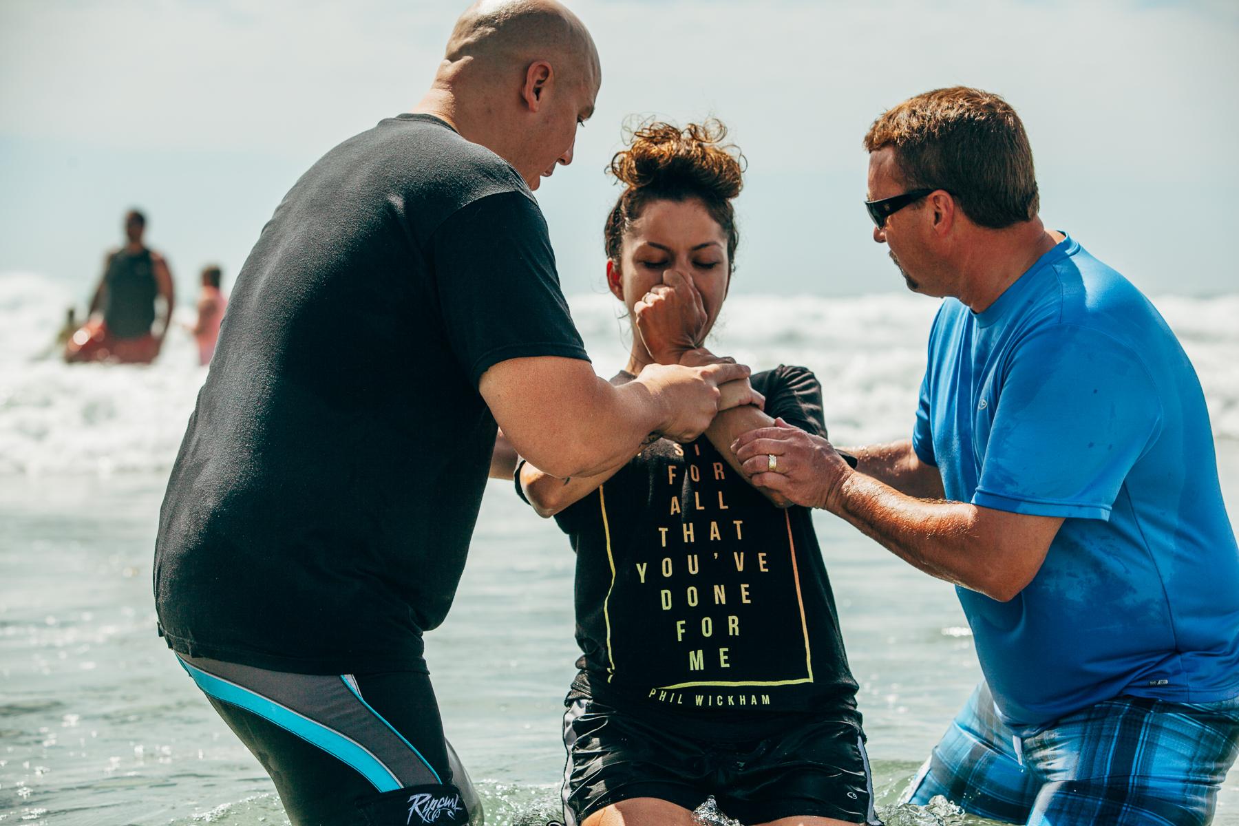 Beach_Baptism_2015_85.jpg