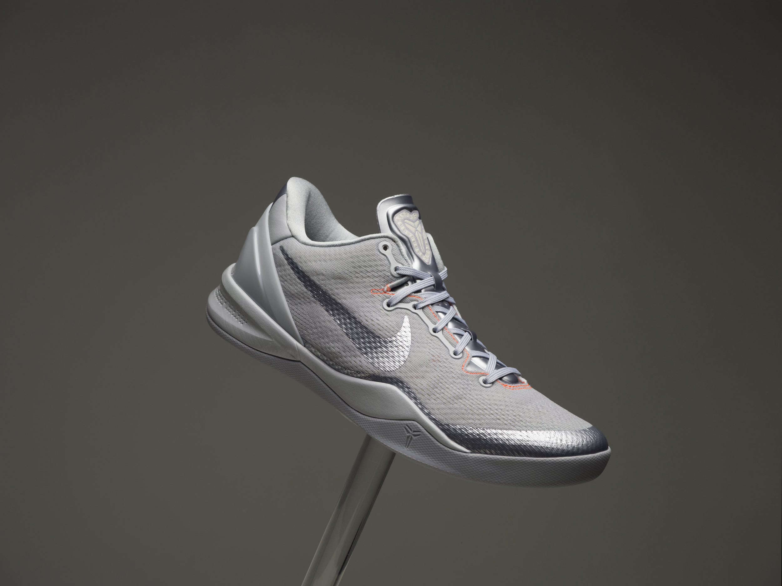 KOBEVIII_MEN_SINGLE_ORIG_2500w.jpg