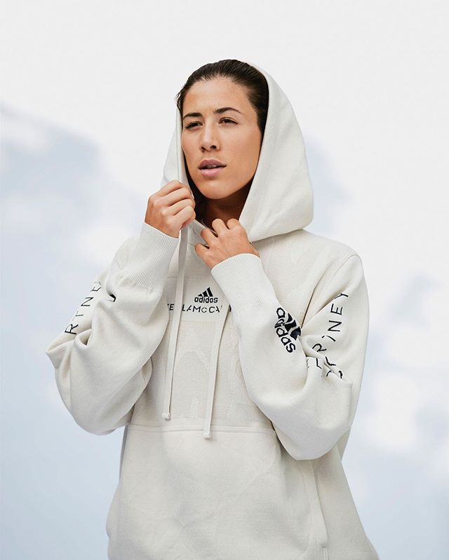 The fabric used for this limited edition collect from adidas by Stella McCartney was made from old clothes. Is there a future where old clothing is upcycled rather than discarded into landfills? ⠀⠀⠀⠀⠀⠀⠀⠀⠀ Check out this Hypebeast.com article on the new collection: https://bit.ly/2G9ffm5 ⠀⠀⠀⠀⠀⠀⠀⠀⠀ Postproduction: TVG Contact us for photo credit . . . #adidas #stellamccartney #upccycle #reducereuserecycle #postproduction #thefutureoffashion #athleticapparel #hypebeast