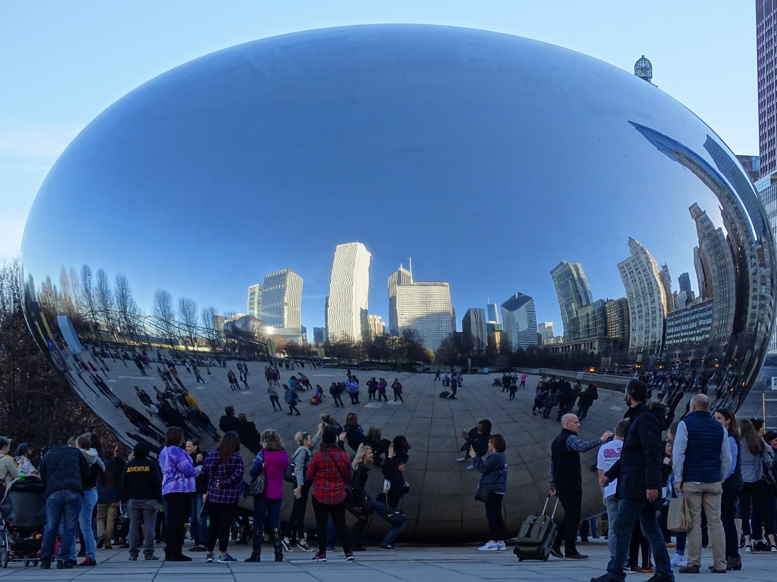 The_Bean_at_Millennium_Park_-_Chicago_-_Illinois_-_USA_(32960540175).jpg