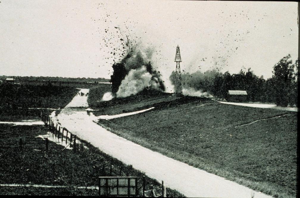 Dynamiting levee 1927