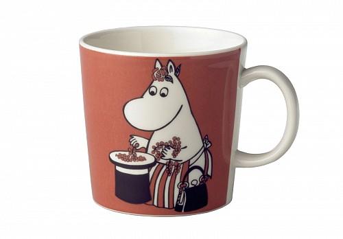 Moomin_Mug_Moominmamma_and_berries.jpeg