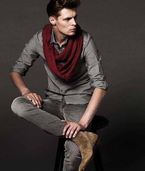burgundy scarf.jpeg