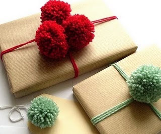 chic christmas wrapping 14.jpg
