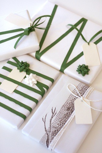 chic christmas wrapping.jpg