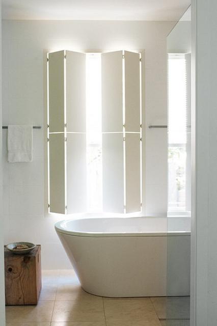 sculptural bathtub 8.jpg