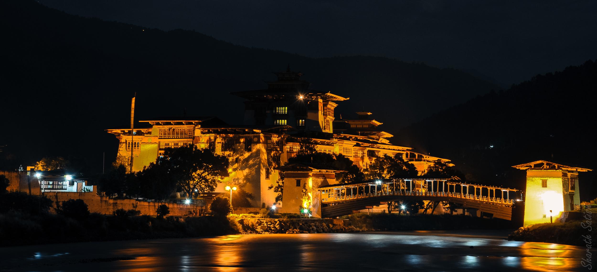 Punakha Dzong at night