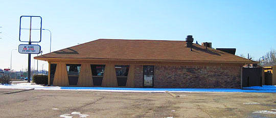 The former Pizza Hut on Sterling Avenue .