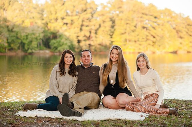 I love the fall time when I get to photograph so many sweet families near and dear to my heart! This group is no exception! So glad we finally made time for some updated family portraits ♥️ #millbrookALphotographer #alabamafamilyphotographer ⠀ #familyisforever⠀ #millbrookAL⠀ #photosbymoe #capturingyourmoments