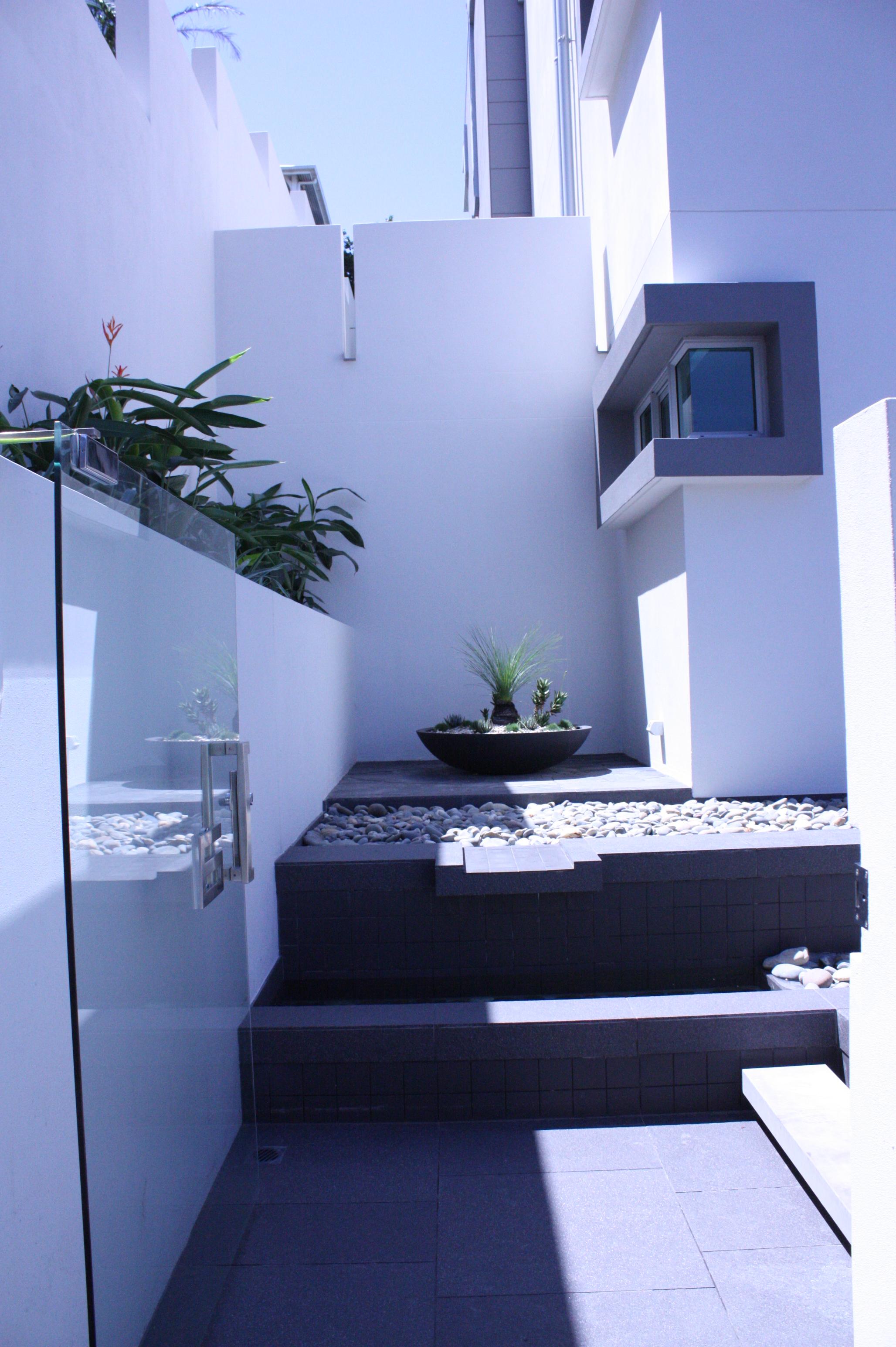 Hamilton-landscape-design-planter-box-SEED3.JPG