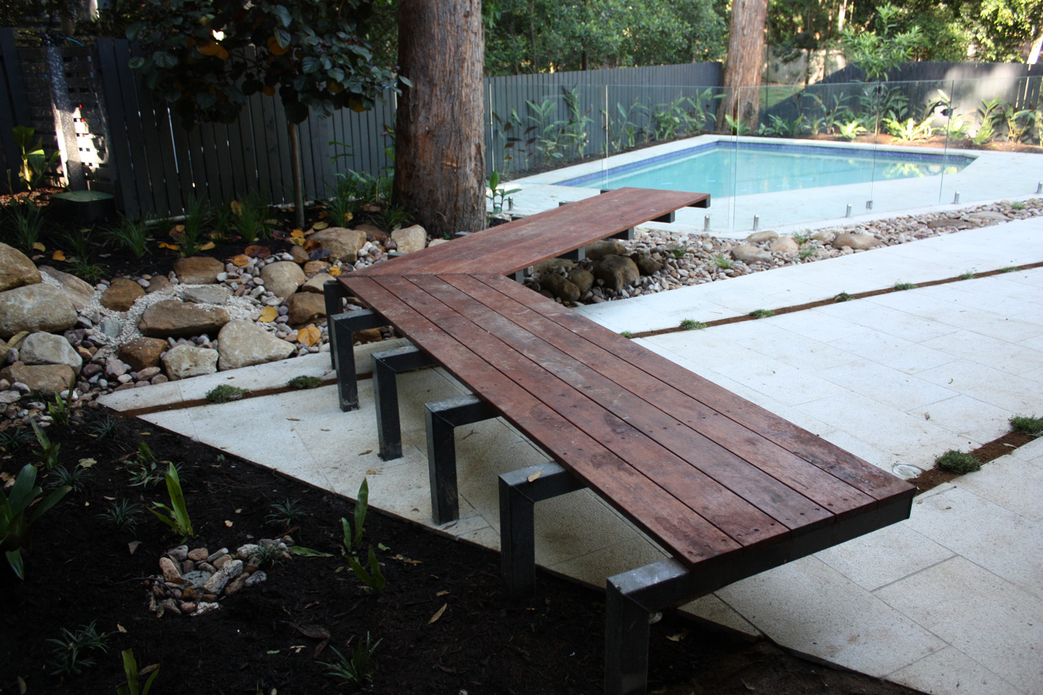bardon-pool-seating.jpg