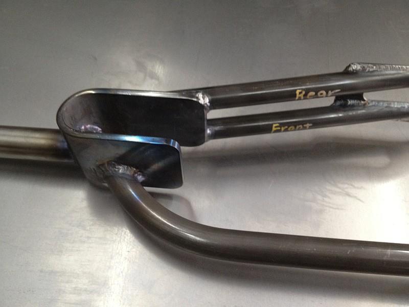 2012-07-24 06 streamliner fork welded, crown closeup.jpg